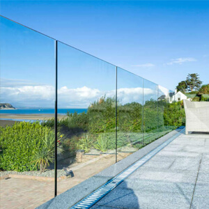 The Infinity Glass Balustrade for perfect uninterrupted views